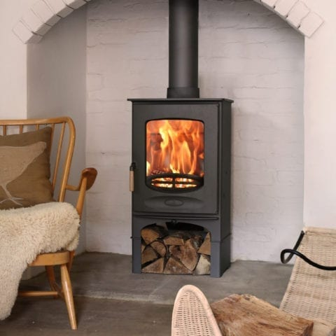 Freestanding closed combustion fireplace