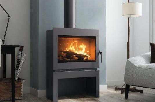 Closed combustions fireplace